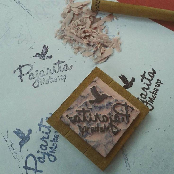 Timbre hecho a mano en goma para Pajarita Make up. Kata Melgarejo Bahamondes