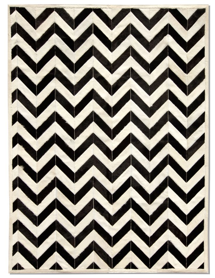 Exclusive - Yves Cowhide Rug - Black/White