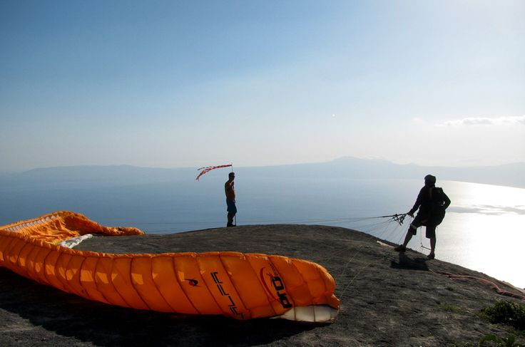 Paragliding: Flying a slope parachute   A Greek Adventure
