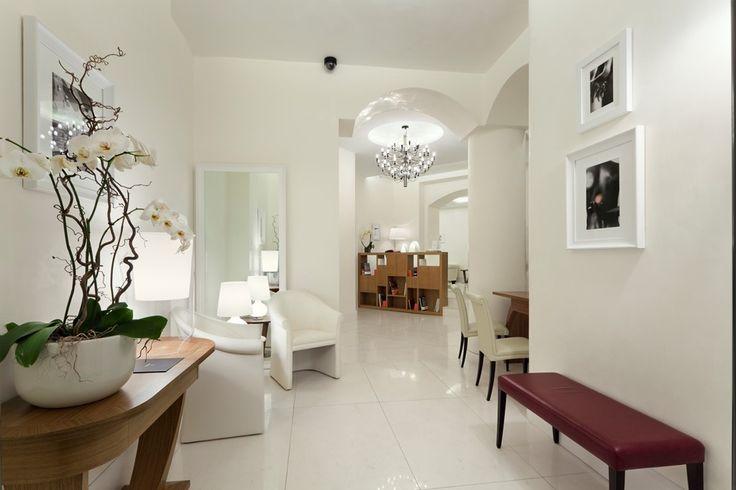 UNA Maison Milano hall reception Top design hotel Milano  #milan #expo2015 #italy #hotel #luxury #milano #white