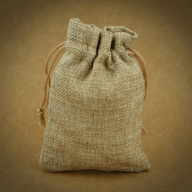 6 X SAQUINHOS EM ALGODÃO | AREIA | 9,5 X 13,5 CM | Utilize estes saquinhos rústicos como embalagem para doces ou encha-os de flores secas e transforme-os em bolsinhas de cheiro.