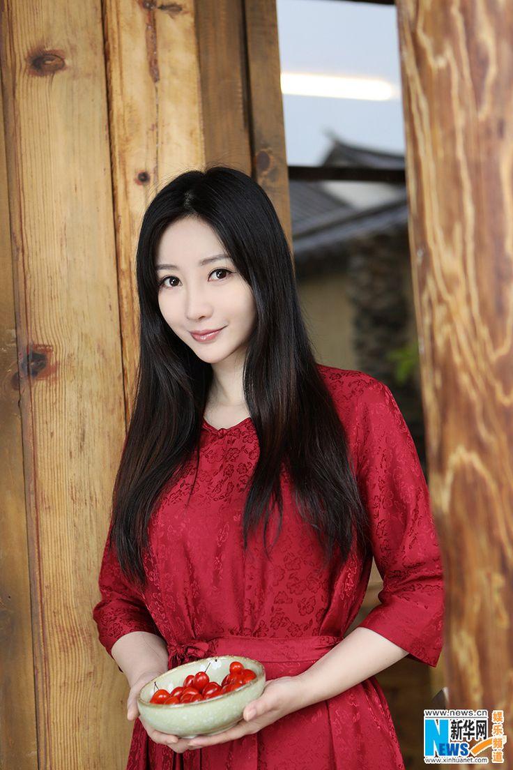Liu Yan poses for fashion magazine   China Entertainment News