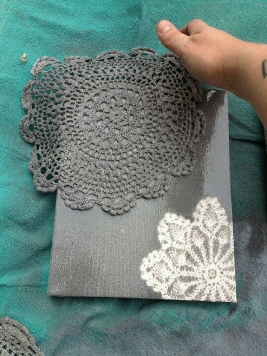 spray paint lace over a canvas for cute designs diy pinterest. Black Bedroom Furniture Sets. Home Design Ideas