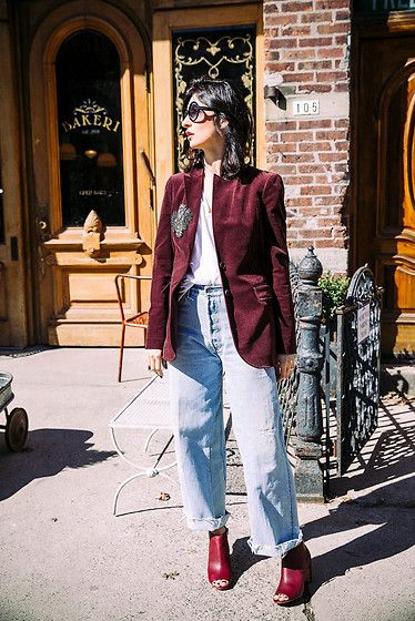 Get this look: http://lb.nu/look/8661463  More looks by Ewa Sleszynski: http://lb.nu/urbancreativitea  Items in this look:  Tom Ford Sunglasses, Gucci Blazer, Redone Jeans, Maison Martin Margiela Shoes   #retro #street #vintage #photooftheday #lookoftheday #outfitoftheday #potd #lotd #ootd