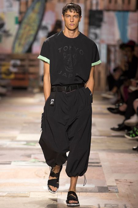 Caliban-I love the fullness of these pants & shoes look----Y-3 | Spring 2015 Menswear Collection | Style.com