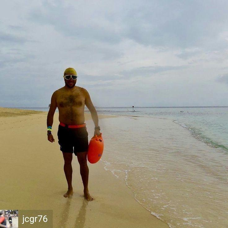 from @jcgr76 . . #swim #swimmer #swimming #swimmingpool #outdoors #buildthebase #newwaveswimbuoy #3athlon #3athlonlife #swimbikerun #nadapedaleacorre #onesportisnotenough #undeportenoessuficiente #tri_365 #triathlontraining #tri_community #triathlon #training #ironmantraining #ironmantri #ironman703 #natacion #natação #swimmingday #tri_community #triathlete #triatlon #naufragos #ows