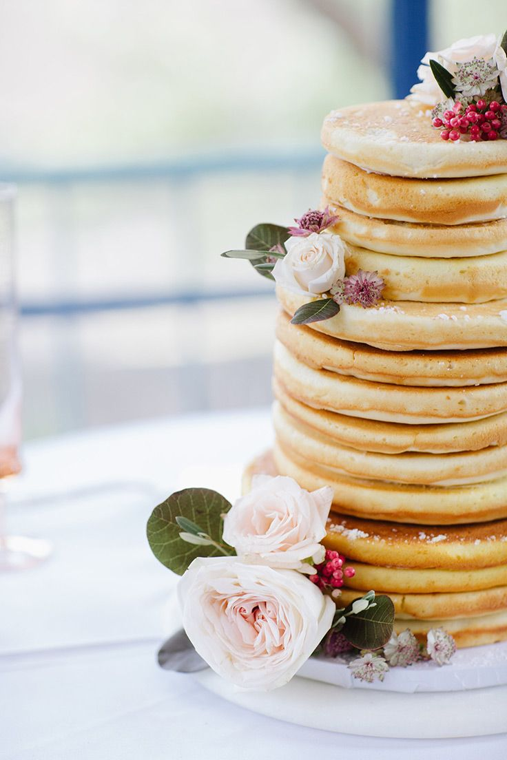 Sunday Brunch Wedding With A Pampas Gr Arch Cakes Sweets Pinterest Pink Gowns And