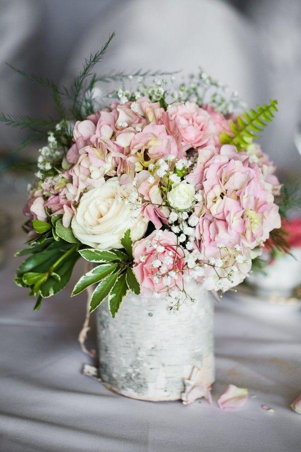 vintage-garden-wedding-flower-decor