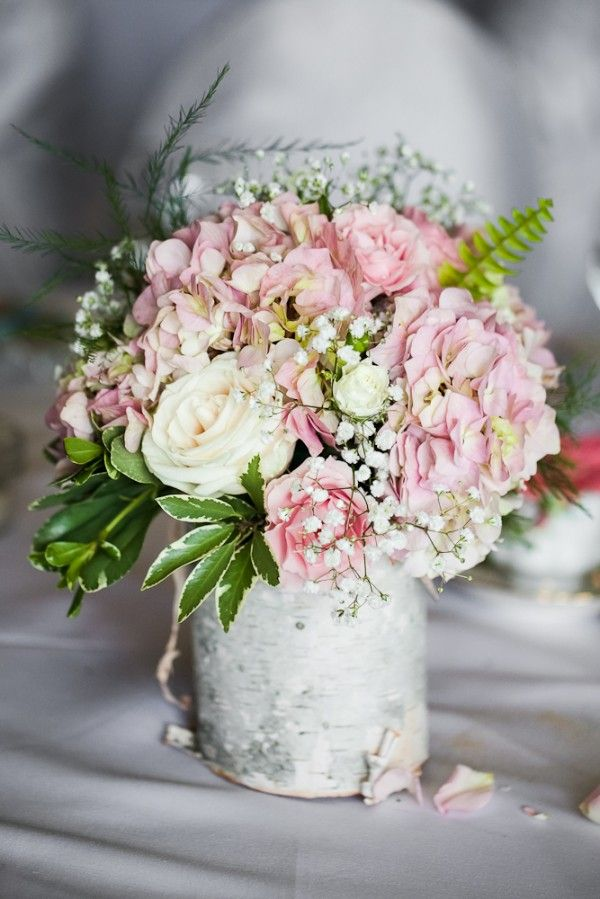 vintage-garden-wedding-flower-decor