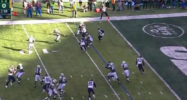 The NY Jets Pull Off Beautiful Hook And Lateral Play For A Touchdown Against The Rams - http://viralfeels.com/the-ny-jets-pull-off-beautiful-hook-and-lateral-play-for-a-touchdown-against-the-rams/