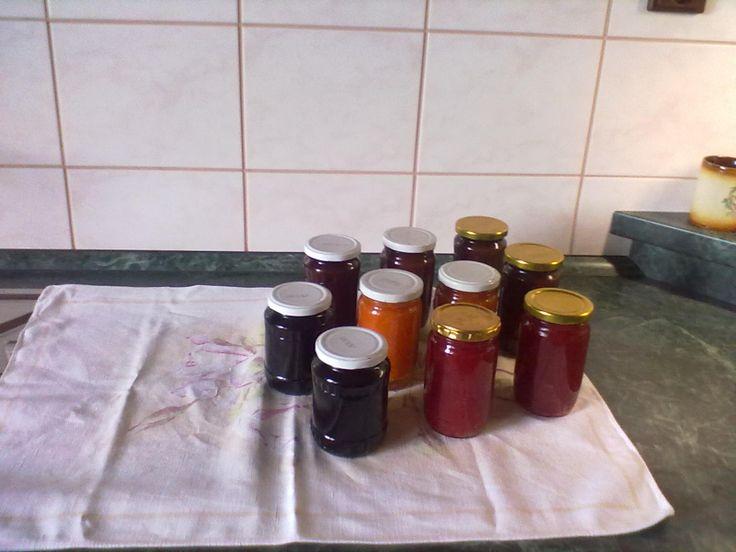 směs marmelád -džemů