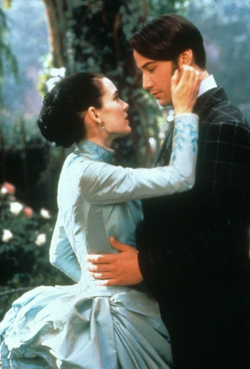 Winona Ryder as Mina Murray and Keanu Reeves as Jonathan Harker in Dracula