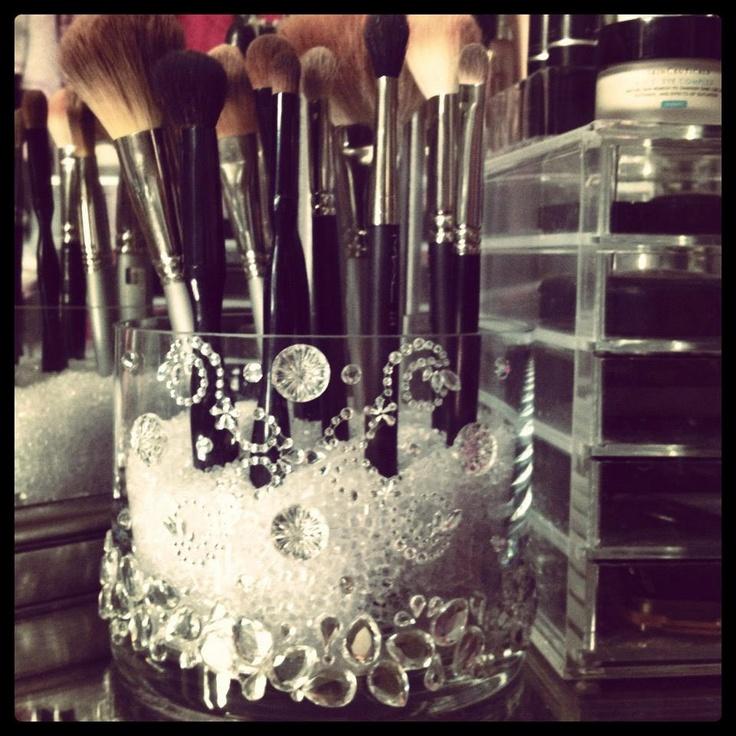 I can make this myself!!! Chic Glass Round MakeUp Brush