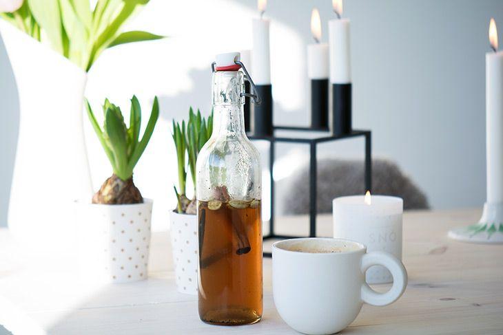 Krydret hjemmelavet kaffesirup