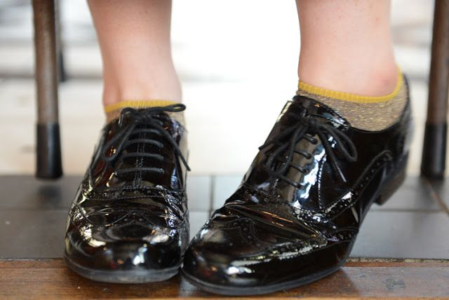 Becoming RAJE: My Love Affair with Clarks Shoes // Black and Gold. A x