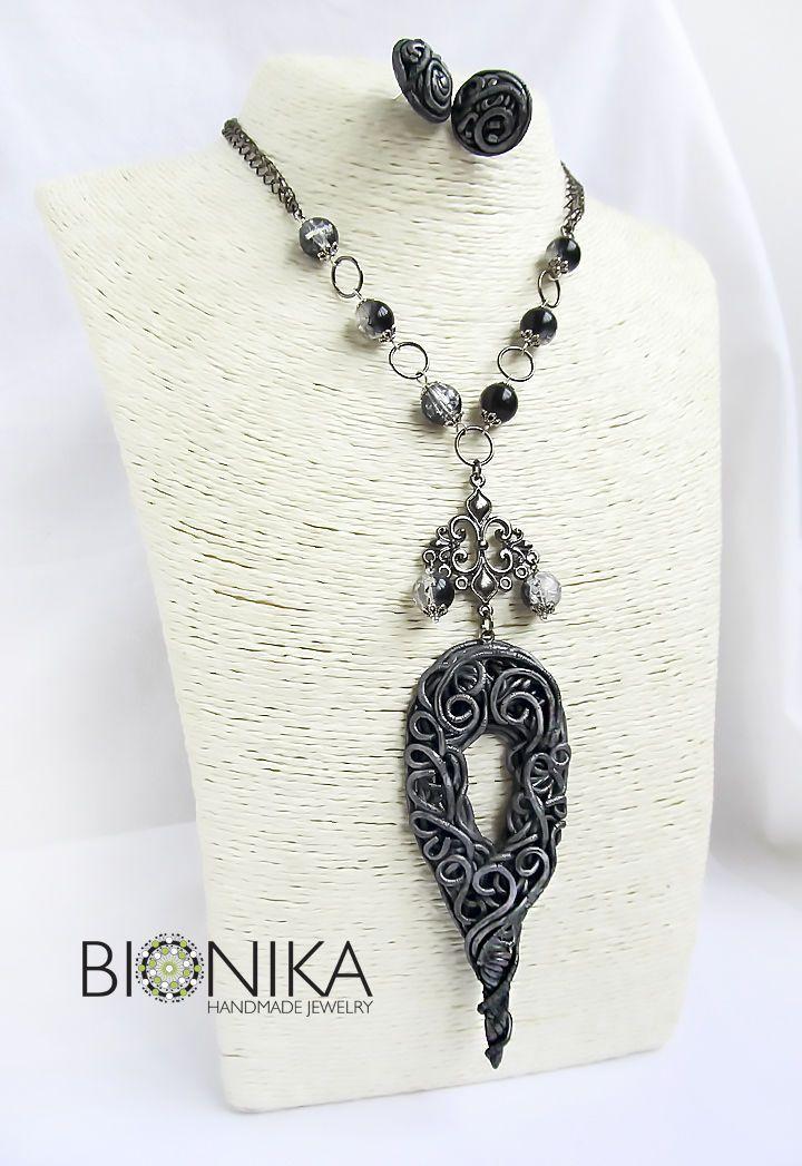 Купить Комплект украшений, кулон из полимерной глины на цепочке, серьги - серебряный, черный, комплект украшений
