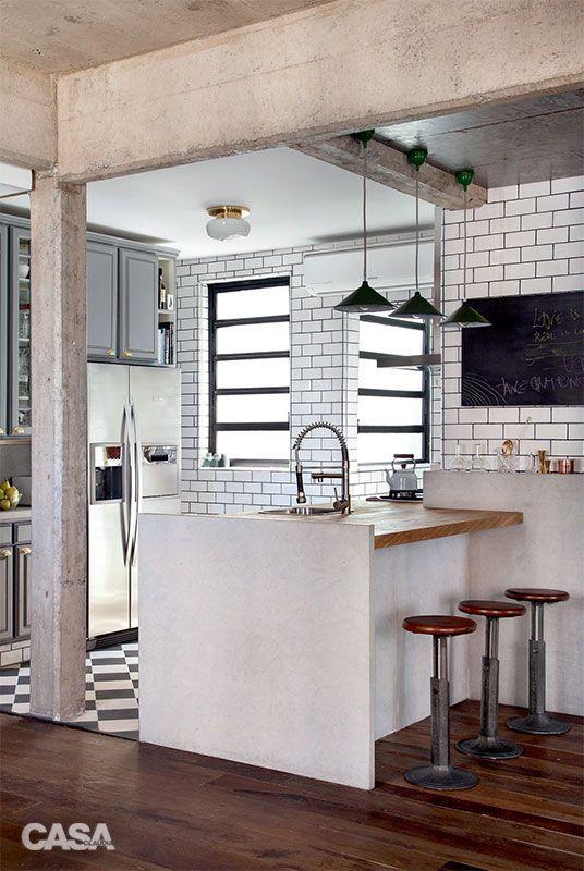 Eu e Dani AMAMOS isso! É bem a disposição de paredes e cômodos do apartamento. Gostamos de ambientes integrados. De repente, dá pra abrir tudo, o quartinho e a cozinha, e deixar só um pequeno closet pra guardar a rouparia. Você acha que rola?