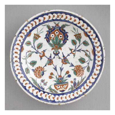 Plat au médaillon - Musée national de la Renaissance (Ecouen)