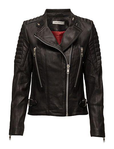 Køb Sofie Schnoor Jacket (Black) hos Boozt.com. Vi har et stort sortiment fra alle de førende mærker og leverer til dig indenfor 1-2 dage.