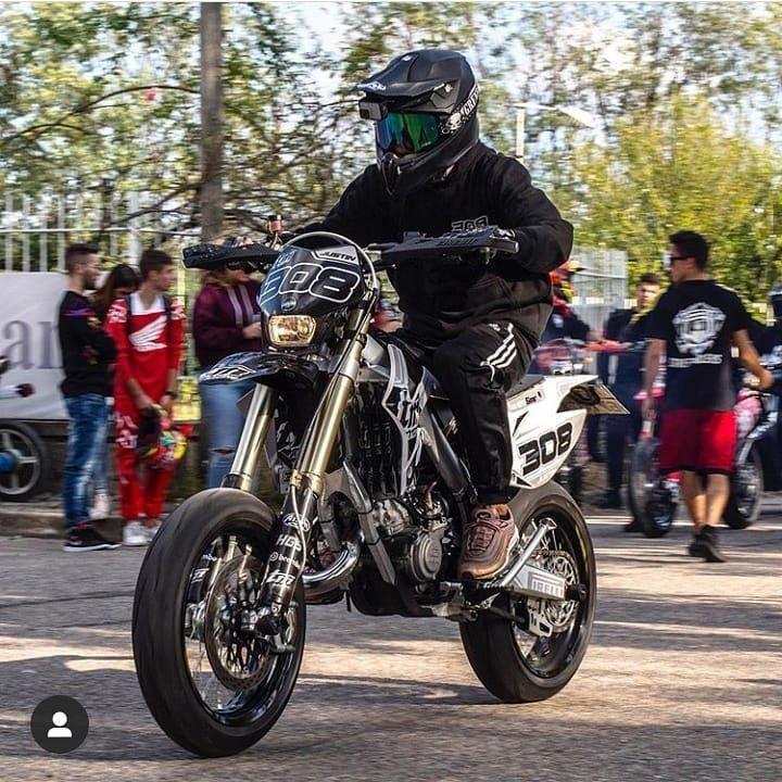 I love this brilliant dirt bike kawasaki dirtbikekawasaki