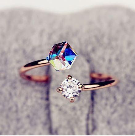 <3 oh you beautiful beautiful ring you :)