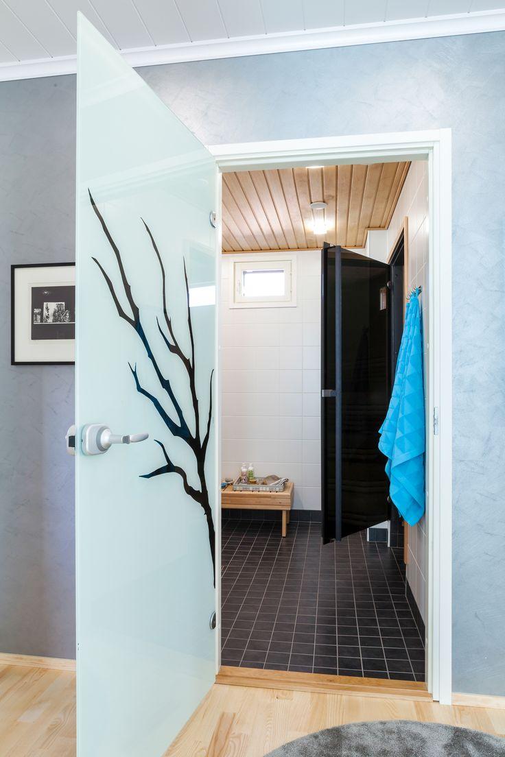 JELD-WEN-saunanovi Savu http://www.jeld-wen.fi/ovet/saunanovet/saunanovivalikoima/tuotesivu/?productId=3597