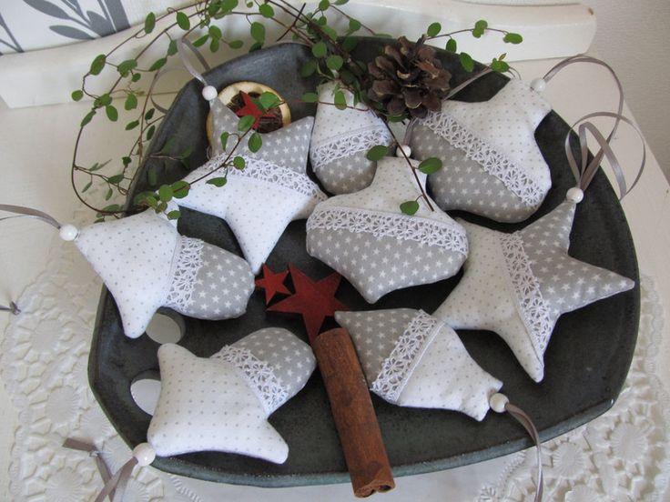 baumschmuck stoff edler weihnachtsbaumschmuck wei grau 8 tlg ein designerst ck von mit. Black Bedroom Furniture Sets. Home Design Ideas