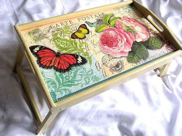 #Masuţă #tavă de #lemn cu #model de #fluturi şi #trandafiri, tavă #servire #masă sub formă de #carte #poştală / #Wooden #tray #table, #butterfly and #roses #model, tray #serving #dinner / #나무로되는 #쟁반 #테이블, #나비 #및 #장미 #모형, #저녁 #식사를 #봉사하는 #쟁반  http://handmade.luxdesign28.ro/produs/masuta-tava-de-lemn-cu-model-de-fluturi-si-trandafiri-tava-servire-masa-26336/