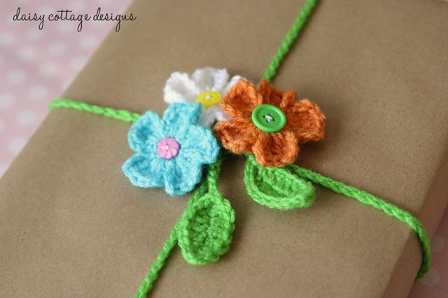 Crocheted Gift Wrap with flowers by Daisy Cottage Designs ~ free pattern