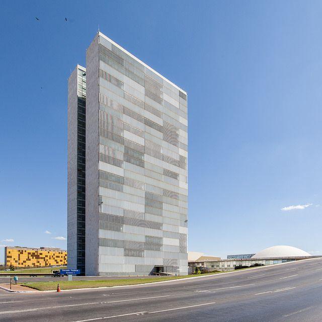 National Congress, Tower - Oscar Niemeyer - Brasilia | por Scott Norsworthy