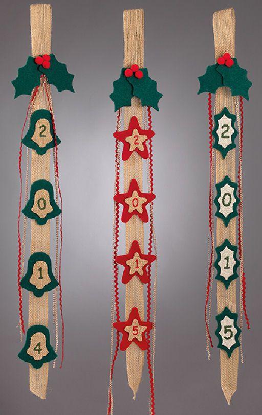 www.mpomponieres.gr Χριστουγεννιάτικες γιρλάντες από τσόχα και λινάτσα στολισμένες σε τρία σχέδια και κεντημένη η χρονολογία 2015. Ιδανικές για διακόσμηση πόρτας και τοίχου . Η γιρλάντες έχουν διάσταση 73 Χ 8 cm . Όλα τα χριστουγεννιάτικα προϊόντα μας είναι χειροποίητα ελληνικής κατασκευής. http://www.mpomponieres.gr/xristougienatika/girlanta-xristougenon-me-tsoxa-kai-linatsa.html #burlap #christmas #ornament #felt #χριστουγεννιατικα #στολιδια #stolidia #xristougenniatika