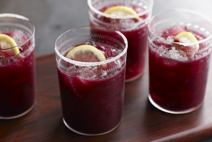 #DriscollsSweepstakes Driscoll's Blueberry Chilean Pisco Cocktail www.driscolls.com. Yummy! Wouldn't this be so refreshing at a backyard party? I sure think so!