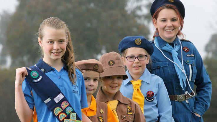 #Girlguiding Australia ~~~ The modern uniforms of #Girl_Guides and #Brownies are a stark contrast to those of yesteryear. ---- #Pfadfinderinnen und #Woelflingsmaedchen aus Australien im Wandel der Zeiten ~~~ Picture: TARA GOONAN