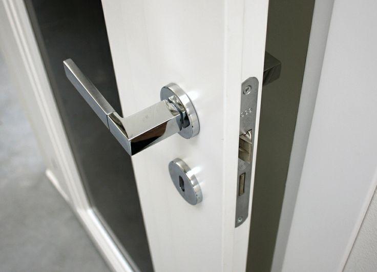 FBP porte | Collezione AGATA Dettaglio serratura meccanica #fbp #porte #legno #door #wood #varnished #interiors #woodcut