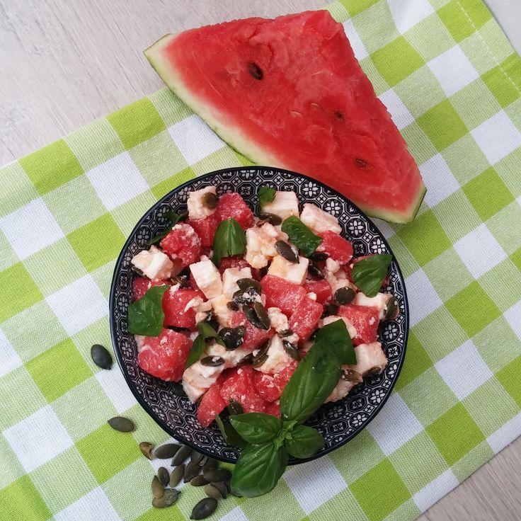insalata estiva di feta,anguria,basilico e semi di zucca