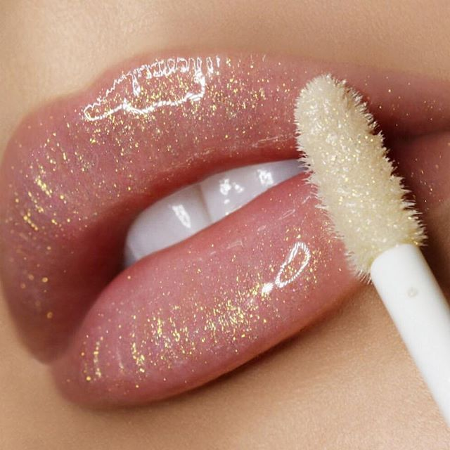 Pin By Cynthia Sawtelle On Aesthetic Glitter Lipstick Prettiest