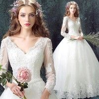 Women's Wedding Dresses USA slim fit size available: US4, US6, US8, US10, US12, US14, US16  You will