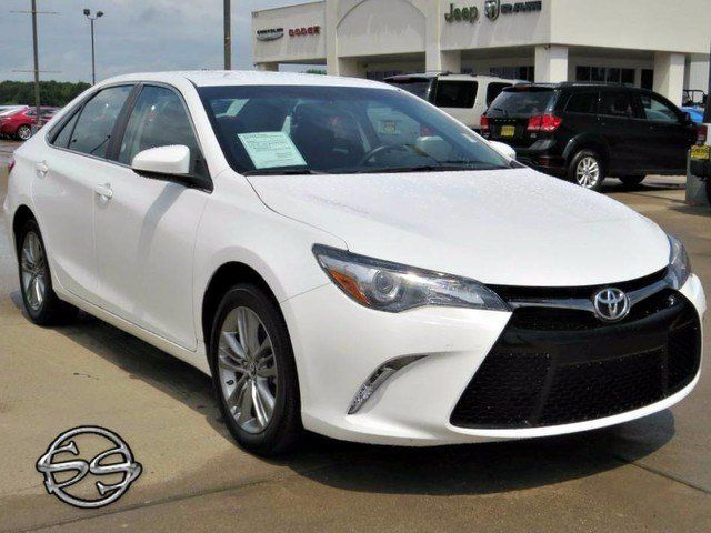 2015 Toyota Camry SE! A Real Gas sipper!