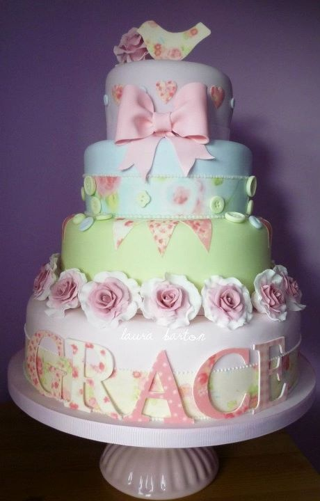 I think this is the most beautiful cake for a girl I have seen! Perfect for first birthday :-)