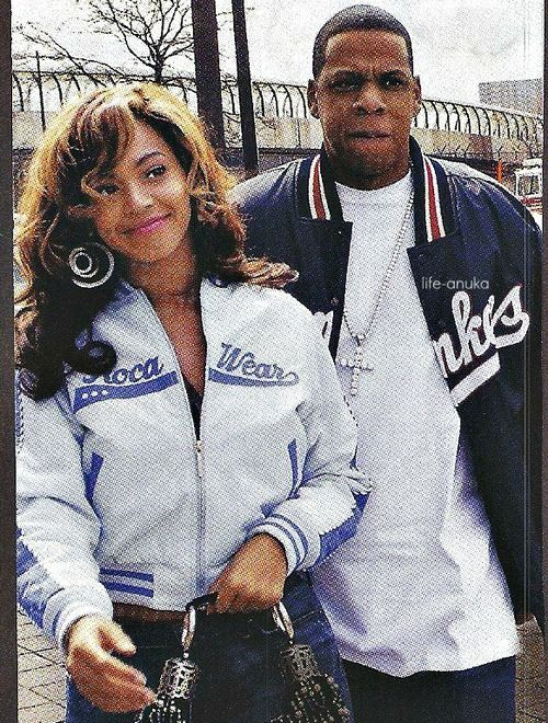 '03 bonnie n Clyde type of feel here. Bey with the rocawear lol