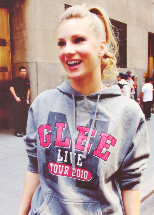 Heather Morris  ↳ 18/100 Where can I find one of these hoodies??