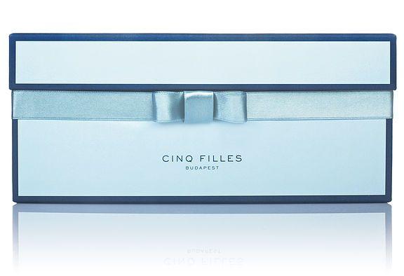 cinq filles blue box