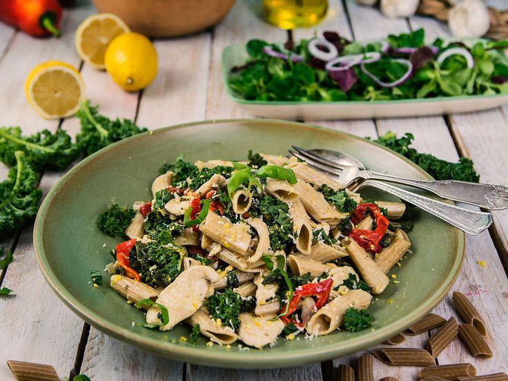 Fullkornspasta med kylling og kremet grønnkål