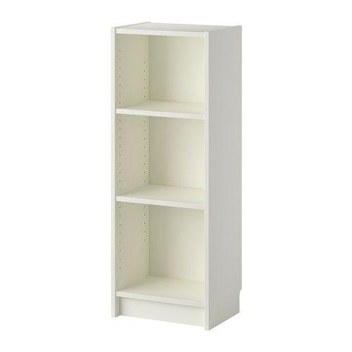 BILLY Boekenkast IKEA Met smallere kasten kunnen de ook minder brede muren effectief worden gebruikt.