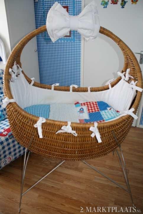 Marktplaats.nl > Celine wieg met standaard in zeer goede staat - Kinderen en Baby's - Babywiegjes en Ledikanten
