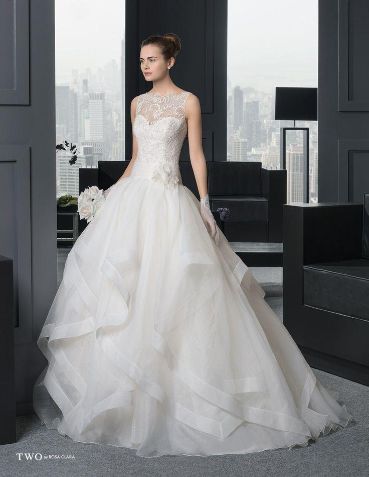 CHIC TWO-31 Lavorazioni #artigianali e #tagli perfetti su abiti ed accessori, per #matrimoni di grande classe. www.mariages.it