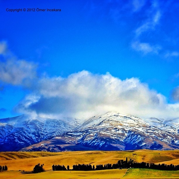 Drive between Darfield and Lake Tekapo. South island New Zealand