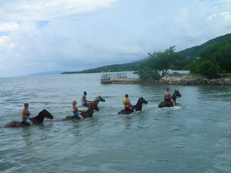 4 Best Outdoor Activities In Jamaica | The Lost Girls