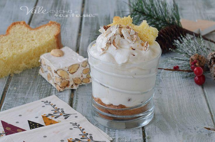 MOUSSE DI TORRONE E PANDORO dolce di Natale facile, ricetta dolce di Natale con pochi ingredienti, veloce, golosissima ed economica