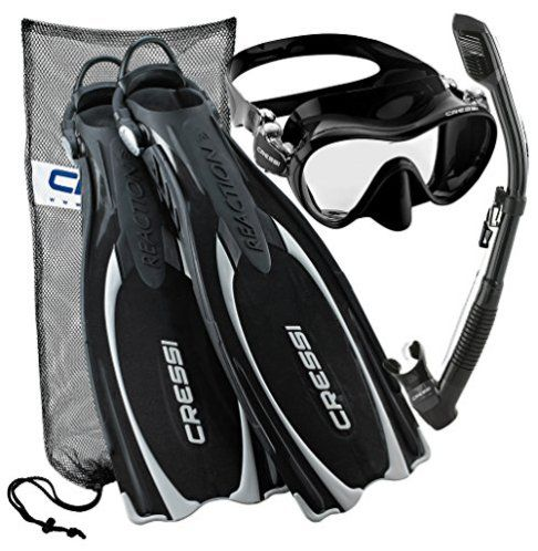 The best snorkeling gear review. Learn how to choose the right gear and which considerations you should take into account. Best snorkel gear.